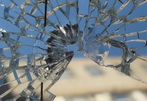 сновидение о разбитом стекле